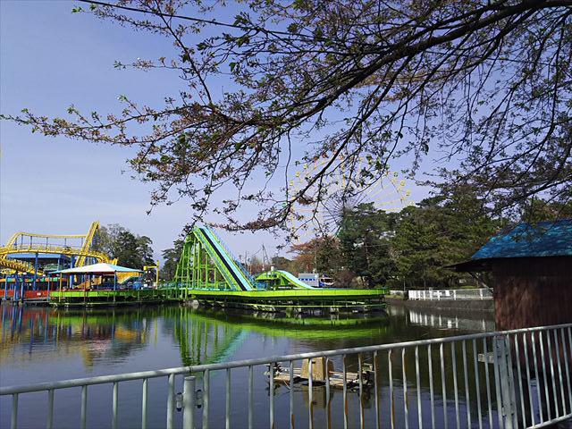 華蔵寺公園 池と遊園地